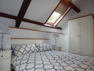 A Lovely light & airy OPEN PLAN LIVING Holiday Let, Redruth