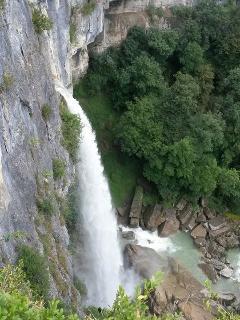 Cascade de Cerveyrieu, à 5 min en voiture