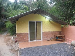 1 Room stand alone Bungalow, Nai Harn