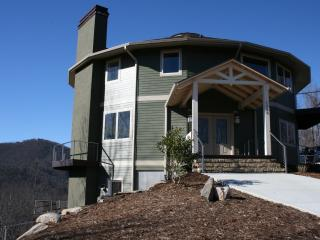 Mountain Top Paradise! 5BR Unique Round Home:VIEWS, Black Mountain