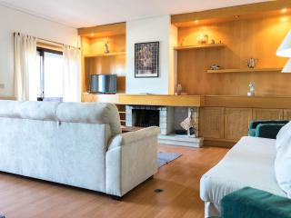 'Porto Sea & River' a spacious apartment by beaches & river in Porto/Gaia