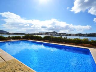 Florymar seafront apartment with swimming pool, Santa Ponsa