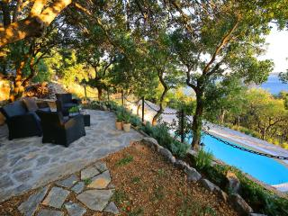 Villa 'Velebit'with pool, luxury villa/8-10 person