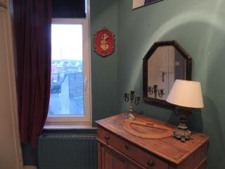 Bel appartement de charme, renove recemment