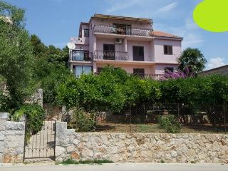 Stari Grad Holiday, Green apartment