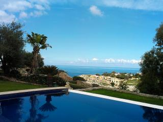 Most Amazing 4 Bedroom Holiday Villa in Gharghur