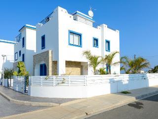 Villa Vasos, Protaras