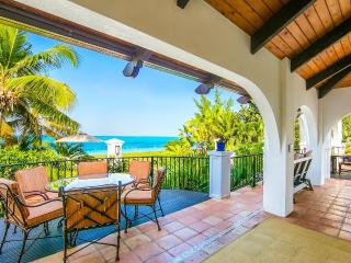 Casa Grande. Grace Bay Beach, Turks and Caicos