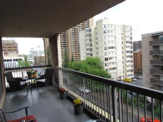 Furnished 2 Bedroom Condo - Best Location Downtown
