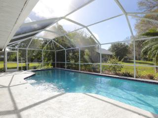 Elegant 4 Bedroom 3 bath Executive Home - HEATED POOL near Siesta Key Beaches!!!