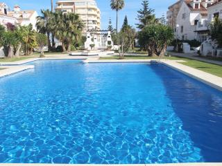 Beautiful townhouse in beachfront urbanization, Fuengirola