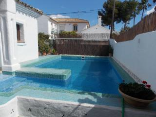 TRADITIONAL SPANISH VILLA NEAR BEACHES & GOLF, San Pedro de Alcántara