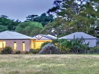 MANNA GUMS - Daylesford Luxury Group House
