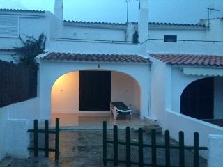 casa adosada 2 plantas muy bien situada, Ciudadela