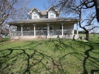 Creekside B&B - Country Property w/ View of Creek, Fredericksburg
