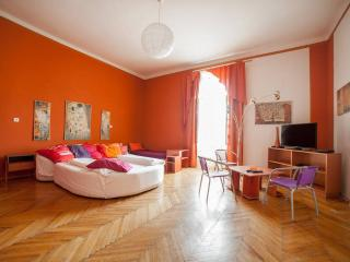 B10 Apartment Budapest Center 6 persons