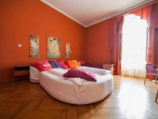 B10 Apartment Budapest City Center 6 persons