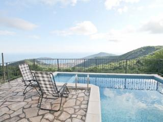 Stone Villa in Lapcici with pool and sea views, Budva