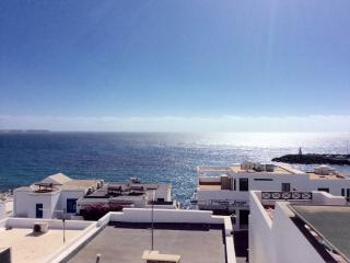 Stunning 2 Bed Apartment in Playa Blanca, La Goleta