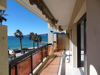 Facing the sea in Juan les Pins