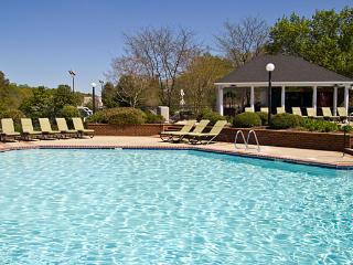 Historic Powhatan Resort: 4-BR, Sleeps 12, Kitchen