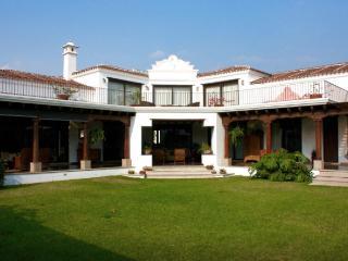Luxurious home with volcanic views, Antígua