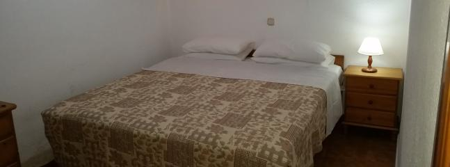 Option of king size or 2 x large single beds