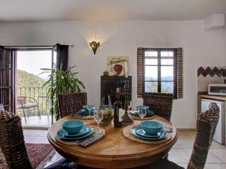 Villa Sila, stylish hideaway  in white village, Ronda