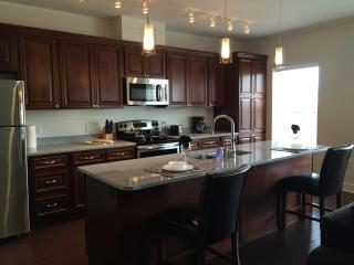 51m535-1BR plus Den near Plaza Area!, Kansas City
