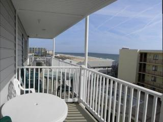 1 Bedroom, Ocean View, Indoor Pool, on Site Mgmt, Ocean City