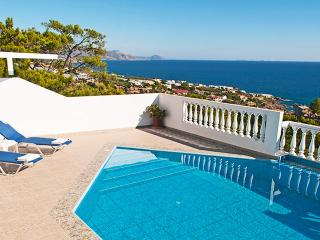 Afroditi,nice villa,superb view to the sea,6+1pers, Achlia