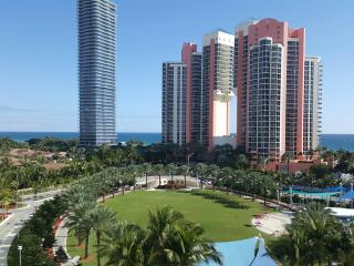 2 cuartos /2 Baños 139 (m2). Vista al mar, piscina, wifi!!!