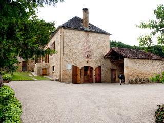 Ancienne ferme du 18ème restaurée avec piscine, Vitrac