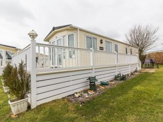 Ref 70803 Cherry Tree 8 berth caravan - Stunning caravan with decking.