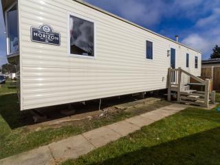Hopton Thurlton 80067 - 8 berth in quiet area, Hopton on Sea