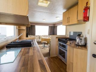 Ref 80085 southreach 8 berth caravan at Haven Hopton,Close to the beach., Hopton on Sea