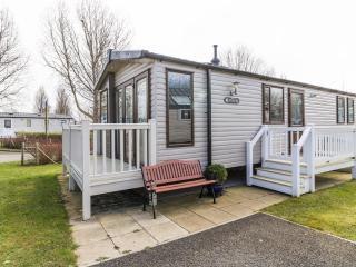 Ref 80018 Birkdale stunning 8 berth caravan at Haven Hopton.