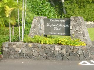 Tropical Tranquil Condo in Oceanfront Complex, Kailua-Kona