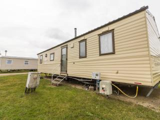 Ref 22030 Foreshore Seashore Haven 6 berth caravan by the beach., Great Yarmouth