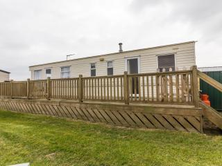 Ref 20060 Broadland Sands 7 berth caravan with decking and dog friendly.