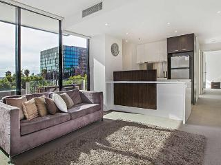 Dockland Kings. 2 Bedroom Apartment 5 Star Reviews, Melbourne