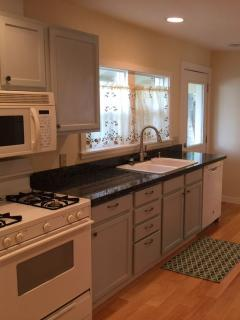 Full kitchen - recently renovated