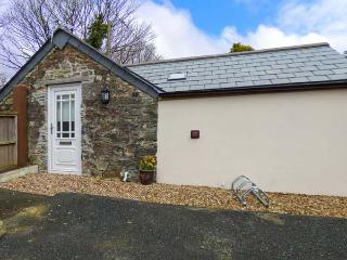 BRAMBLE BARN cosy studio retreat, parking, private patio, close to many places to visit, Lanivet, Ref 934907