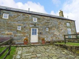 MERRYVIEW, luxury cottage, woodburner, freestanding bath, wonderful views, Longframlington, Ref 935199