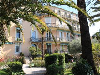 LE PAVILLON WONDERLAND, Cannes