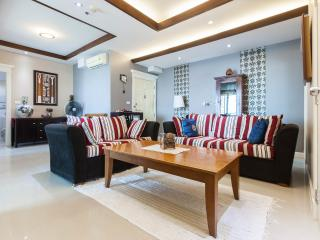 Majestic living room and dining area