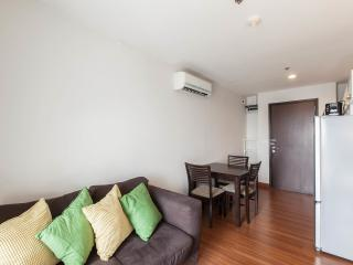 Heart of Bangkok - 2 Bedroom 2 Bathroom Apt