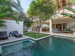 3BR - LUXURY VILLA AT OBEROI, Seminyak