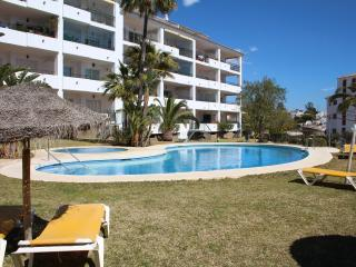 Super, Poolside Apartment in Gran Calahonda with Tourist Licence.
