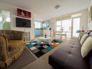 Manly-2 bed rooms beachside+parking
